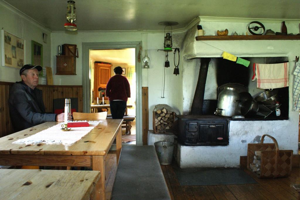 Köket med den gamla köksspisen
